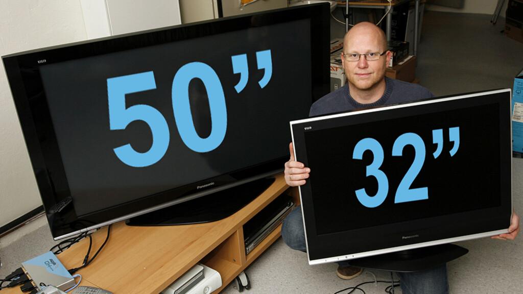 """Ved siden av 50-tommeren blir en 32"""" som en liten pygme til sammenligning."""