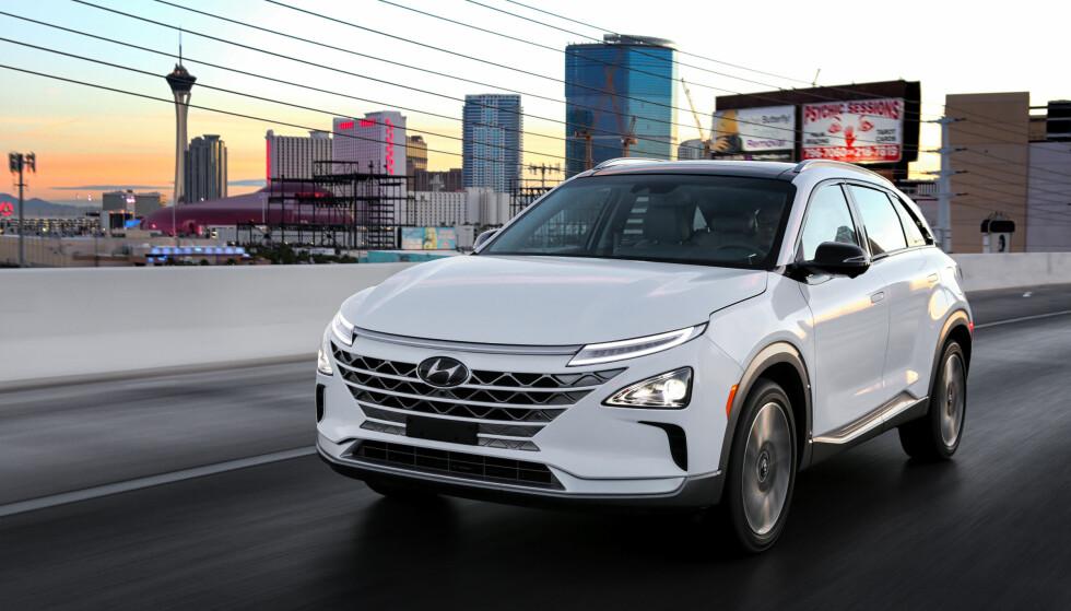 PÅ VEI TIL NORGE: 500 har skrevet seg på liste som interesserte i å kjøpe den nye hydrogenbilen Hyundai Nexo. Hvor mange som blir igjen når de får høre prisen, er usikkert. Foto: Hyundai