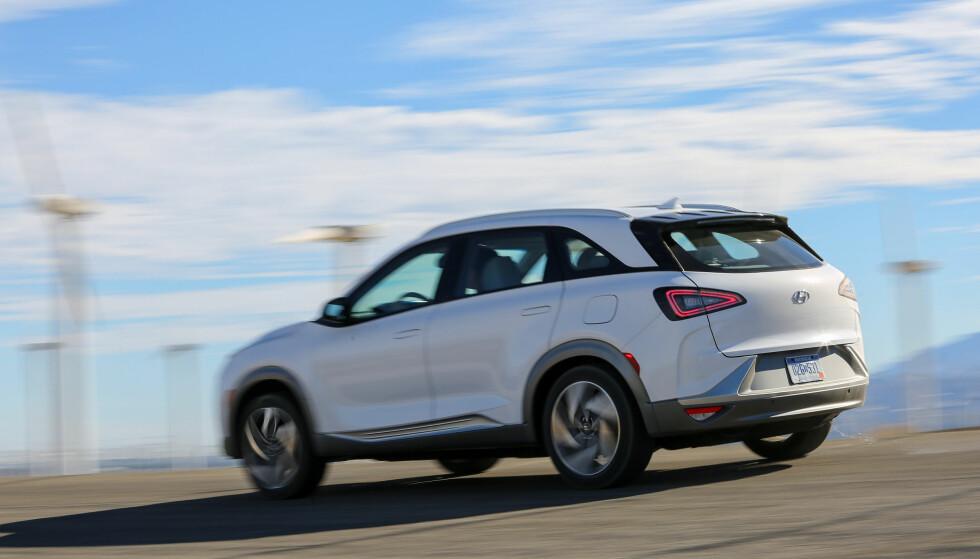 MODERNE: Nexo har mer utstyr, sterkere motor og ikke minst er rekkevidde økt til rundt 600 kilometer i virkelig kjøring sammenliknet med dagens iX35. Foto: Hyundai.
