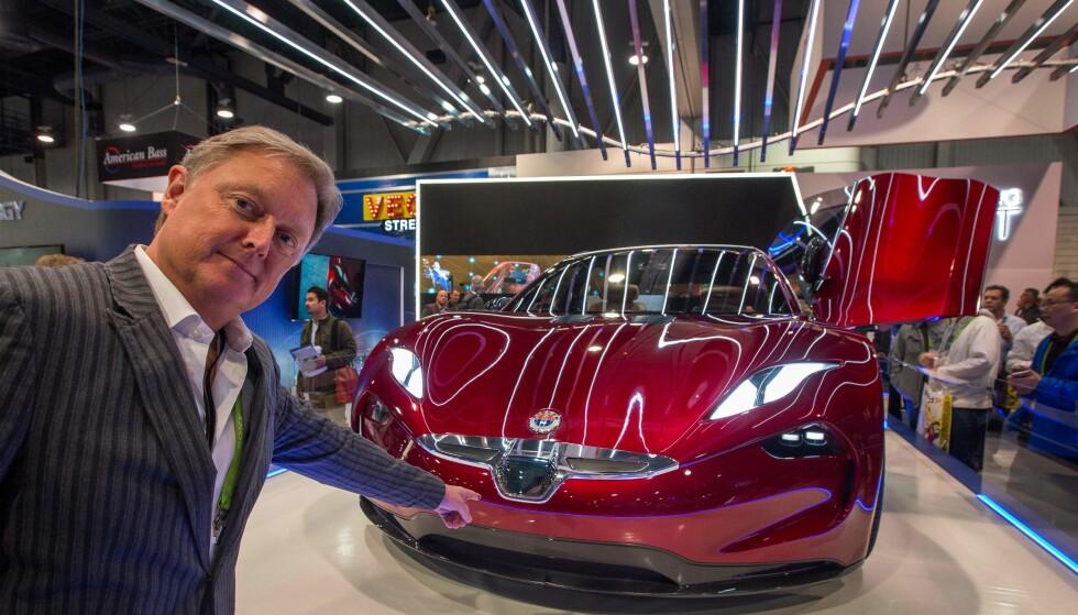 FISKER EMOTION LANSERT: Søndag avduket dansk-amerikanske Henrik Fisker selv superbilen som skal komme på markedet i 2019. Foto: AFP