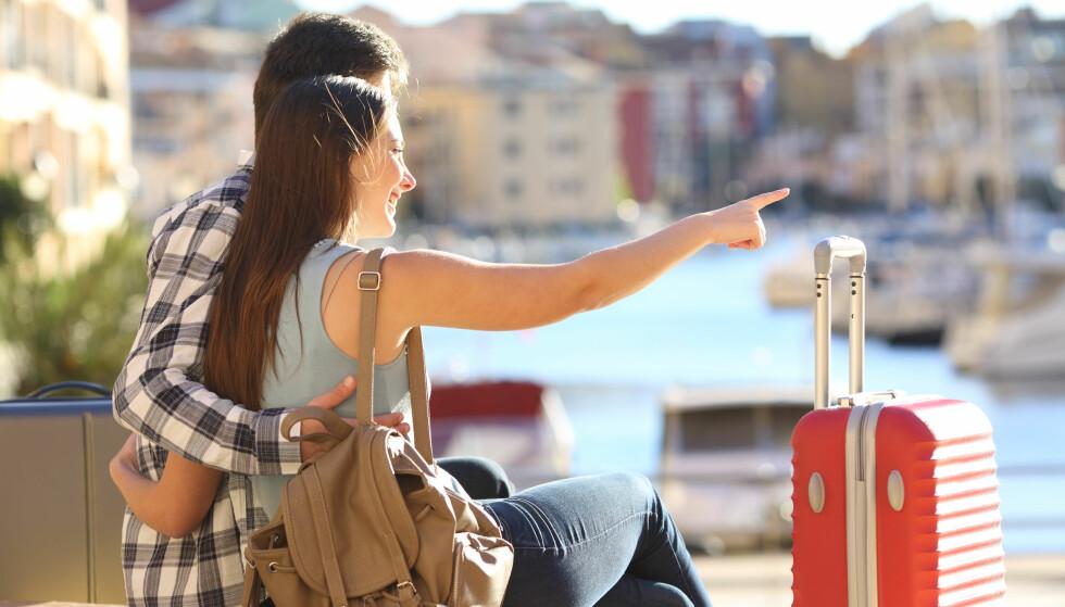 LOVBESKYTTET FERIEHYGGE: Ved kjøp av pakkereise har du loven på din side hvis noe uventet skulle skje før, under og etter reisen. Den oppdaterte pakkereiseloven vil gjøre rettighetene dine tydeligere. Foto: Antonio Guillem/Shutterstock/NTB scanpix.