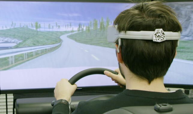SIMULERER: Her testes B2V-systemene i en simulator. Foto: Nissan