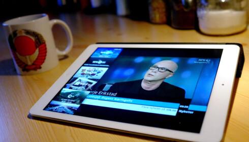 LISENS? Tradisjonell TV-titting blir det stadig mindre av. Og også hvordan vi betaler for TV-tilbudet fra NRK, skal endres. Foto: Ole Petter Baugerød Stokke
