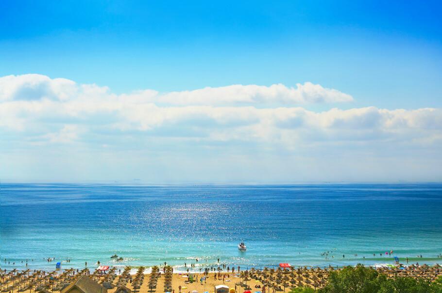 BULGARIA ER BILLIGST: Sunny Beach i Bulgaria er billigste feriedestinasjon i 2018 ifølge en britisk prisundersøkelse av mat, drikke og andre typiske turistvarer på 42 turistdestinasjoner verden over. Foto: Shutterstock/NTB scanpix