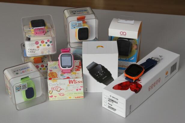 SJEKKET 18 KLOKKER: Nkom har gjennomført en markedskontroll av 18 smartklokker for barn, inkludert klokkene fra Gator AS. Foto: Eivind Rossen/Nkom