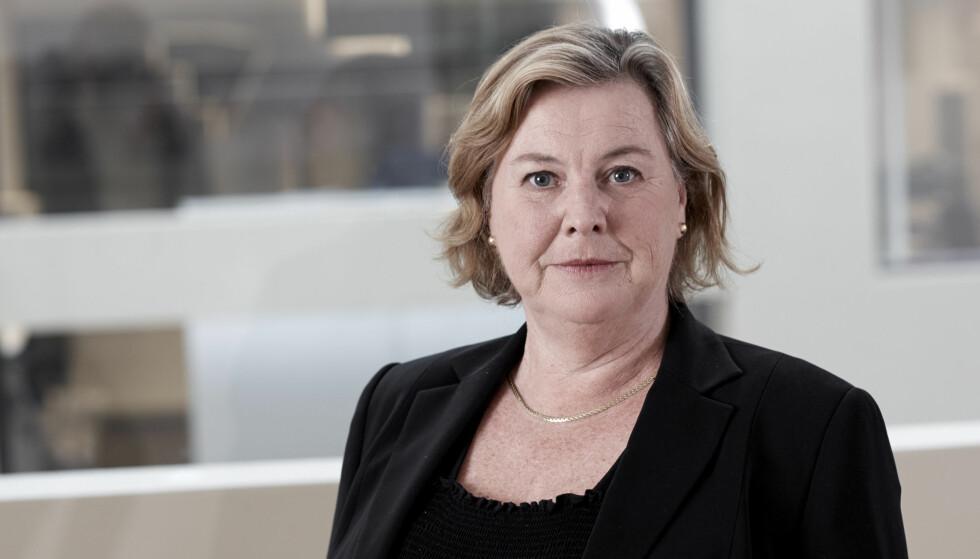 VIL REDUSERE GJELDSGRADEN: Elisabeth Realfsen i Finansportalen skjønner ikke hvorfor myndighetene og finansbransjen stimulerer til fondssparing med gunstige skatte- og overgangsordninger, når gjeldsveksten er et erklært samfunnsproblem i Norgen. Foto: Ole Walter Jacobsen.