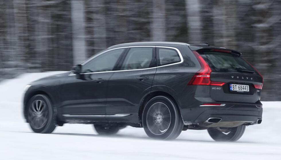 FREKKE LINJER: Volvo har virkelig fått dreisen på linjene. Og selv om den er vesentlig dyrere enn konkurrerende Mercedes, er det fortsatt svært aktuelt for mange å velge XC60. Foto: Rune M. Nesheim