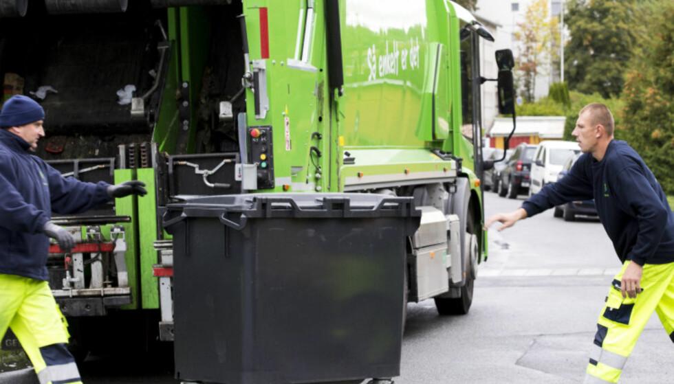 LITE EFFEKTIVT: Å tømme alle søppeldunker er ikke nødvendig. Det er bedre å vite hvilke som er fulle. Foto: Heiko Junge/NTB Scanpix