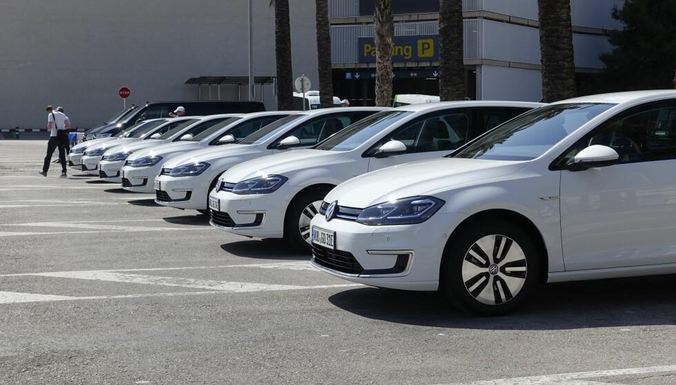 SLITER: Volkswagen sliter med levering av sin desidert mest populære bil i Norge, nemlig VW e-Golf. Her fotografert ved lanseringen i Berlin. Foto: Knut Moberg