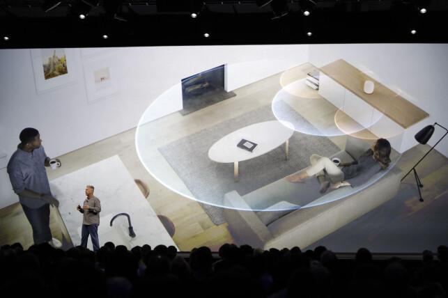 360-GRADERS LYD: HomePod skal kunne tilpasse lyden etter hvor du setter den i rommet takket være 360-graders lydprofil. Foto: NTB Scanpix/Apple