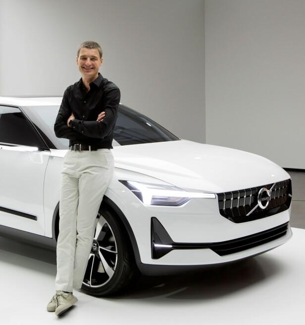 <strong>SIN EGEN STIL:</strong> Volvos sjefsdesigner, Thomas Ingenlath, har virkelig satt sitt preg på den nyeste generasjon Volvo-modeller. Det vil også gjelde den kommende elbilen, basert på Concept 40.2. Foto: Volvo Cars