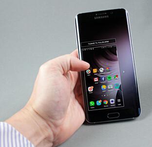 <strong>MINDRE BILDE:</strong> Samsung-telefoner har en funksjon som forminsker hele bildet, slik at du enkelt når over hele skjermbildet med tommelen. Foto: Pål Joakim Pollen