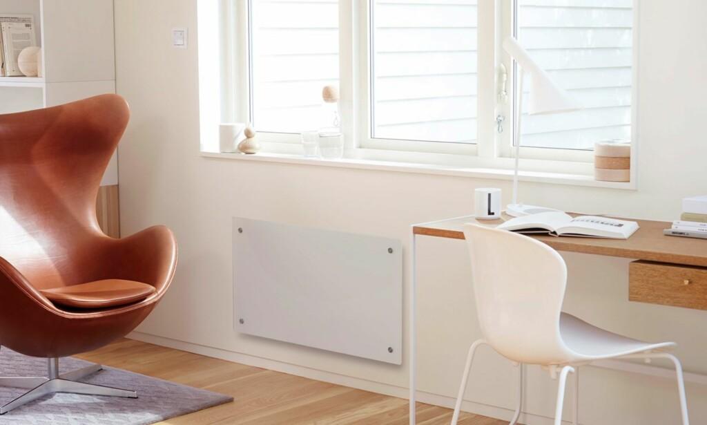 SMART-OVN: Skal du likevel skifte ut panelovnene dine, bør du vurdere en modell med digital styring, som denne fra Nobø. Foto: Glen Dimplex Nordic.