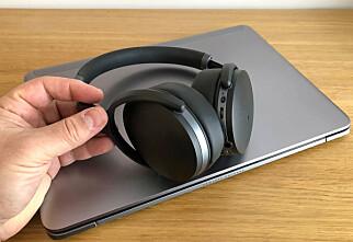 Slik kobler du trådløse hodetelefoner til PC-en din