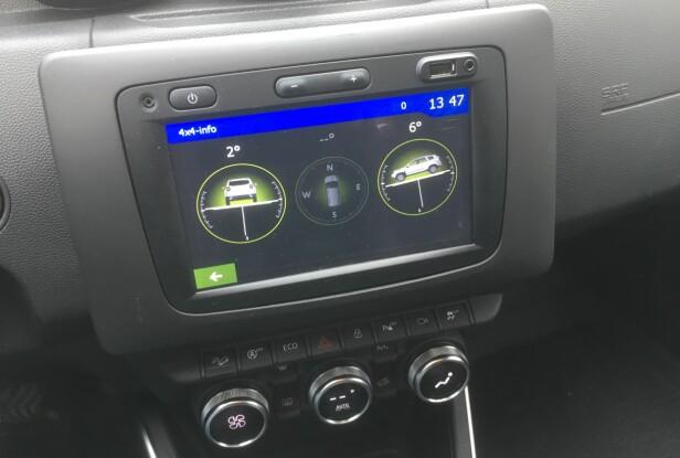 4x4-MONITOR: Med firehjulsdrift kan man overvåke vinkler og posisjon på skjermen (Utstyrsnivå Prestige - fra 240.000 kr.) Foto: Knut Moberg