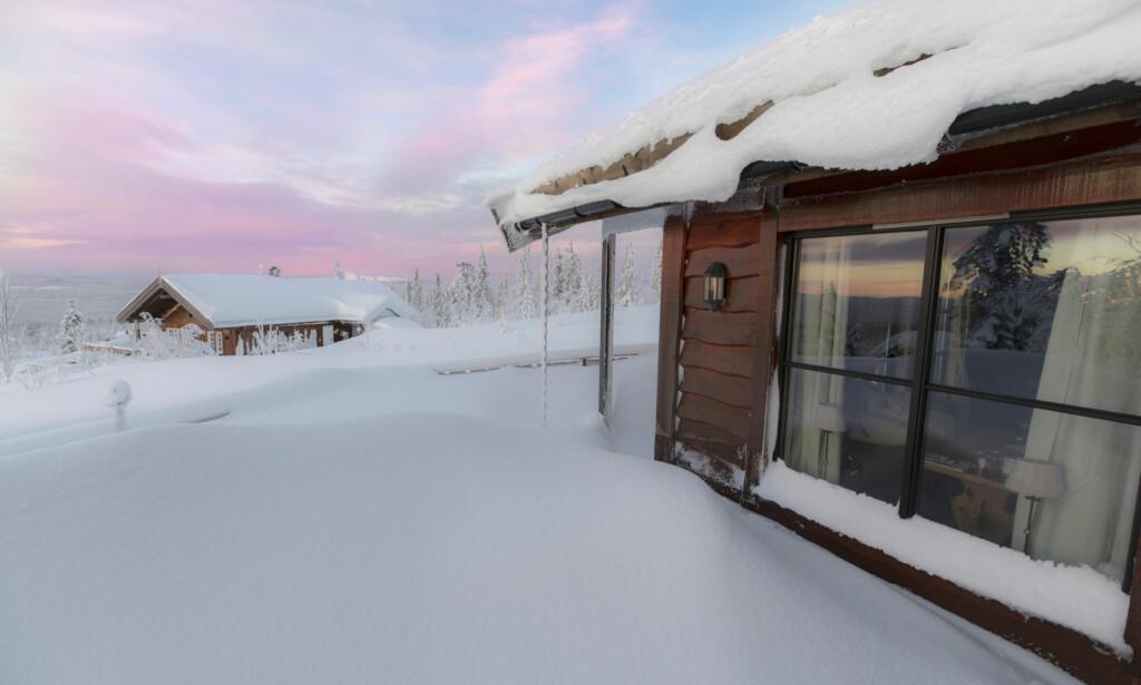 SMARTHYTTE: Med app styrer mange varmen på hytta. Foto: Henrik Strømstad/Samfoto