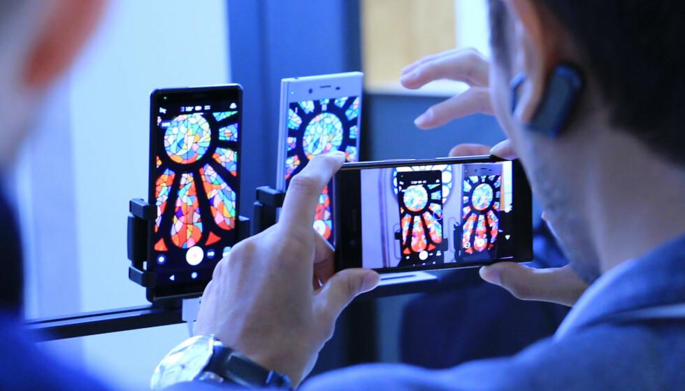 <strong>BEDRE VIDEO:</strong> Sony Xperia XZ2 kan nå filme i både HDR og 4K. Foto: Ole Petter Baugerød Stokke