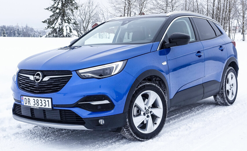 UINSPIRERENDE: Opel Grandland X har tidenes utstyrspakke. Men den veier ikke helt opp for det SUV-en mangler.Foto: Rune M. Nesheim