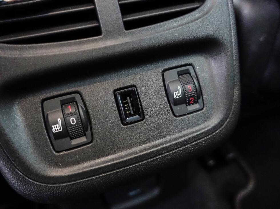 ET PLUSS: Justerbar varme i baksetene er vanligvis forbeholdt bilene i en klasse over. Foto: Rune M. Nesheim