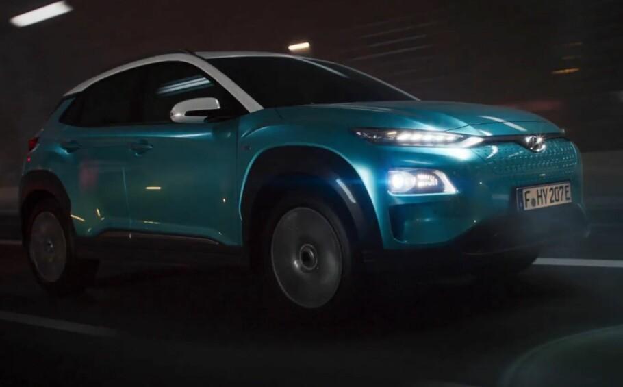 KAN BLI KONGE: Prisen er ikke kjent ennå, men Hyundai Kona Electric går inn som første elbil i folkesuv-klassen og kan komme til å selge stort her i landet, om de klarer å levere bilene. Foto: Skjermdump fra Hyundai Livestream