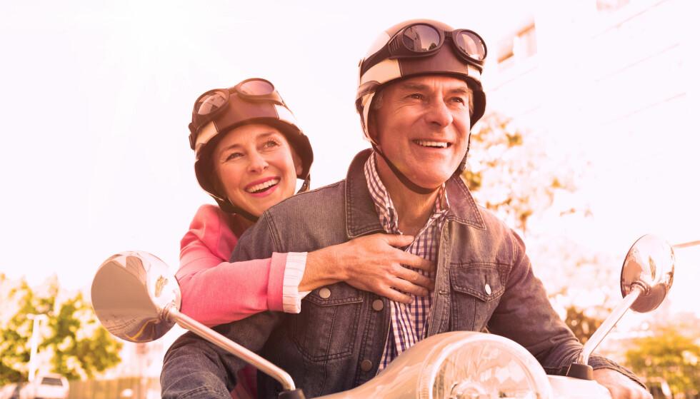 LETTERE: Eldre mopedførere slipper obligatorisk kurs og teoriprøve, men må fortsatt søke om førerkort - også for rask elsykkel. Foto: Wavebreakmedia/Shutterstock/NTB scanpix