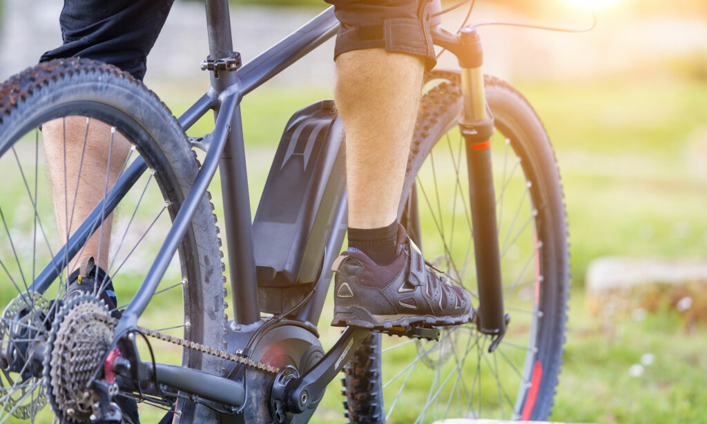 BARE PÅ VEI: Den lovlige, raske elsykkelen kan ikke lenger brukes på fortauet, i parken eller på sykkelvei. Mange vil si at du har en lett motorsykkel med handikap. Foto: Moreimages/Shutterstock/NTB scanpix