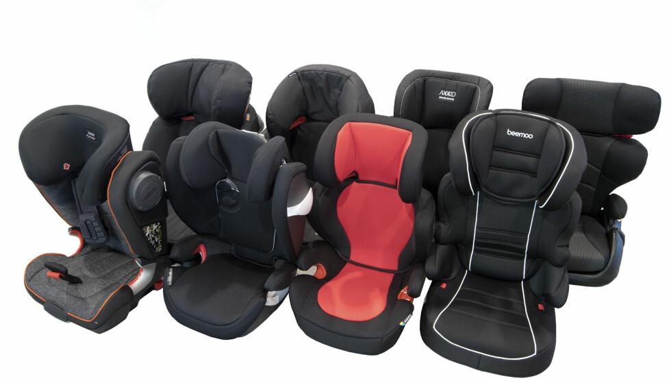 BARNESTOLTEST: Det var varierende kvalitet på barnestoler for større barn, med små, men avgjørende forskjeller på stolene. Foto: NAF