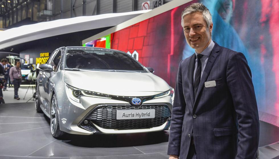 NY GIV: Espen Olsen (bildet), er informasjonssjef i Toyota Norge. Han satser på at nye Toyota Auris, som gir kundene valget mellom to forskjellige hybride drivlinjer, vil styrke merket i den beinharde konkurransen i C-segmentet. Foto: Jamieson Pothecary