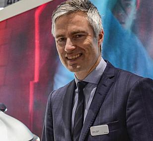 - SNARLIG LØSNING: Informasjonssjef Espen Olsen i Toyota Norge tror det blir slutt på treveis-logistikken i løpet av sommeren. Foto: Jamieson Pothecary