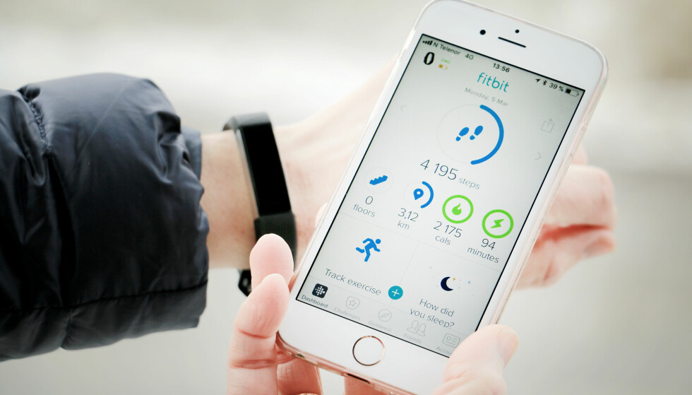 BESTE APP: Vi liker også veldig godt Fitbits app, som er eksemplarisk enkel å skjønne. Foto: Ole Petter Baugerød Stokke