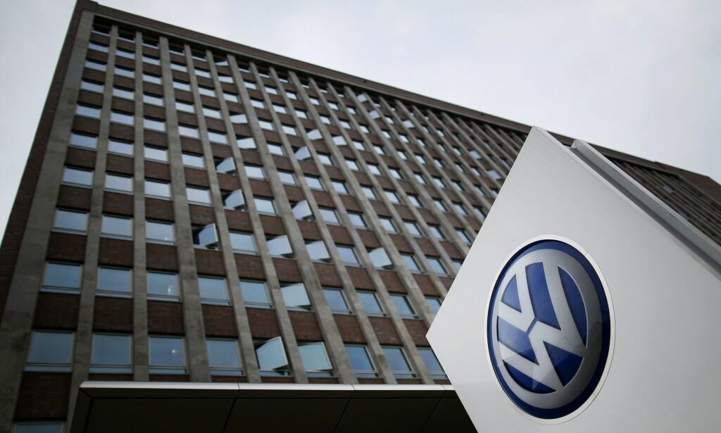 JOBBES FORTSATT: VW-konsernet er langt fra ferdig med dieselgate. Foto: NTB Scanpix/ AFP PHOTO / RONNY HARTMANN