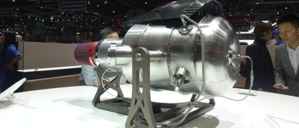 REODOR: Denne ståltanken er den revolusjonerende dieselturbinen som driver Ren RS. Foto: Rune M. Nesheim