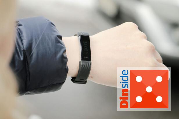 MINST - OG BEST: Fitbit Alta HR er det minste armbåndet i testen - og også det som er enklest i bruk. For deg som kun vil registrere daglig aktivitet er dette et godt valg. Men litt dumt at skjermen er så vanskelig å lese utendørs ... Foto: Ole Petter Baugerød Stokke