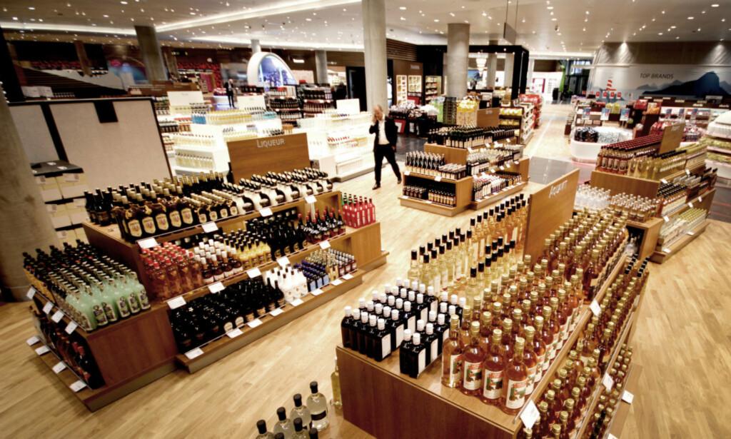 PASS PÅ KVOTA: Kjøper du alkohol i utlandet, bør du passe på alkoholprosenten på det du kjøper. Foto: Ole Petter Baugerød Stokke