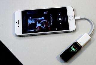 «Dingsen» på ledningen gir deg mye bedre mobil-lyd