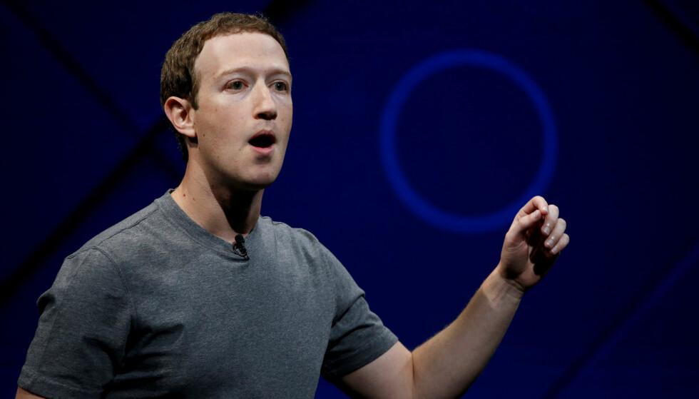 I HARDT VÆR: Facebook-sjef Mark Zuckerberg må svare for seg etter misbruk av Facebook-brukernes data. Foto: Stephen Lam/Reuters/NTB Scanpix