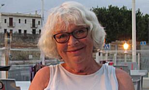 GLEDER SEG: Gerd Johansen har leilighet i Spania. Nå kan hun snart se norsk TV via nettet uten å bruke tekniske mellomledd. Foto: Privat