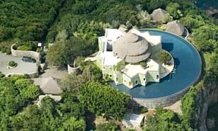 UTEN KAMERA: Du kan bo på Paradise Hotel, uten å måtte delta som realitydeltaker. Foto: Careyes.com