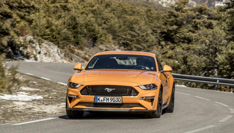 HINGST MED ØRNEBLIKK: Det er vanskelig å benekte at fronten på Mustang er tøff. Foto: Ford