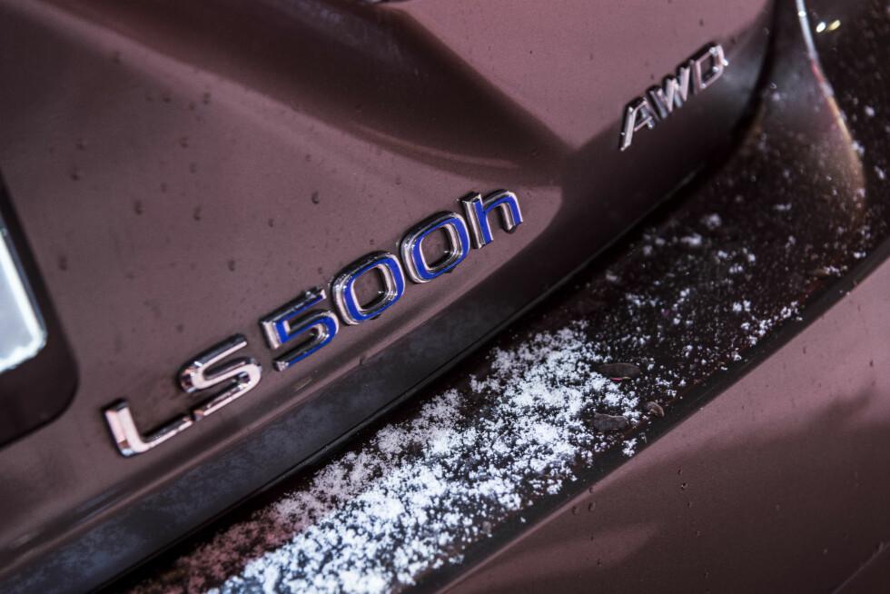 LUKSUS: Lexus LS 500h. Foto: Jamieson Pothecary