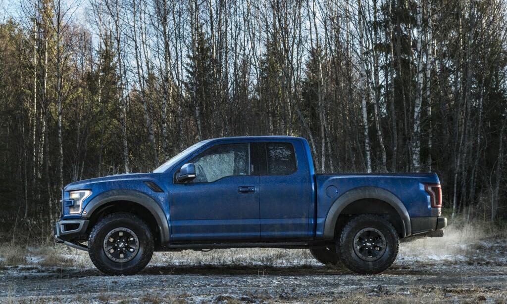 BARSK: Ford har ikke bare laget en barsk bil, men de har fått den til å se barsk ut. Foto: Jamieson Pothecary
