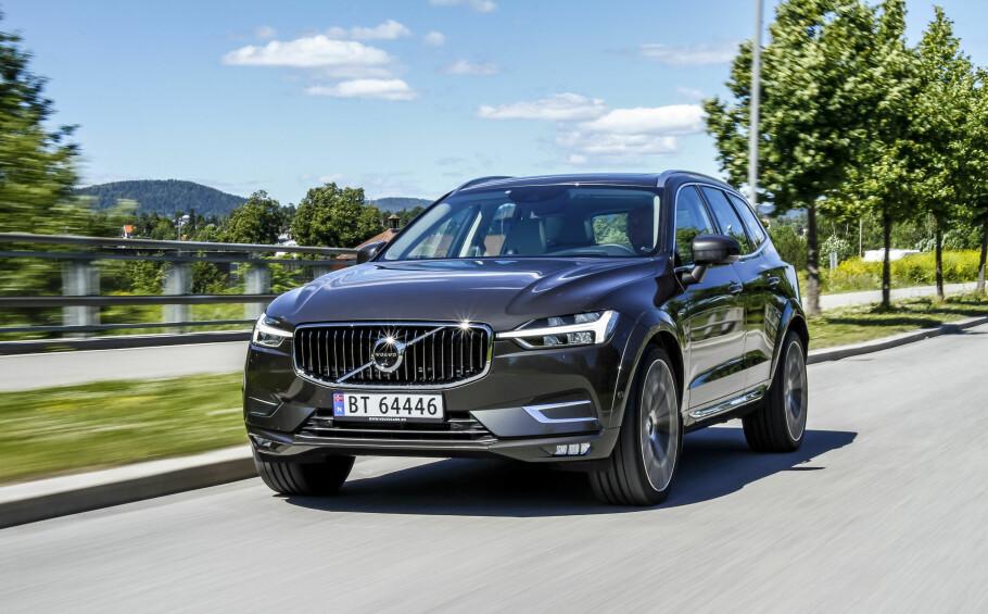 VERDENSDOMINANS: For én måned siden vant Volvo XC40 tittelen Årets bil i Europa. Nå har Volvo XC60 (bildet) gått til topps i kåringen Årets bil i verden. Foto: Fred Magne Skillebæk