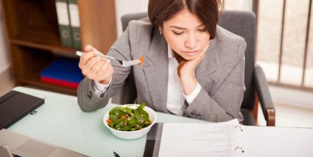 Du skal få betalt dersom du må oppholde deg på arbeidsplassen i pausen