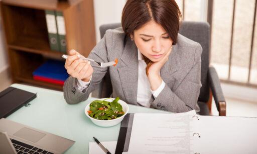image: Spiser du ved pulten? Da skal du ha betalt