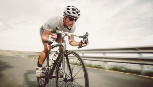 EFFEKT: En syklist yter mellom 100 og 300 watt i gjennomsnitt, alt etter form og terreng. Foto: Ramon Espelt Photography/Shutterstock/NTB scanpix