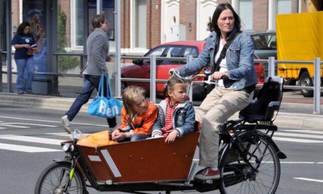 image: Betaler gladelig 50.000 for å frakte barna til barnehagen