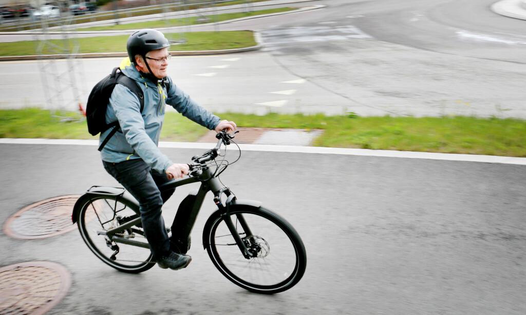 TRÅKKEHJELP: Elsykkelen er først og fremst et transportmiddel, og ikke en effektiv treningsmaskin. Det er begge ekspertene vi har snakket med enige om. Foto: Ole Petter Baugerød Stokke