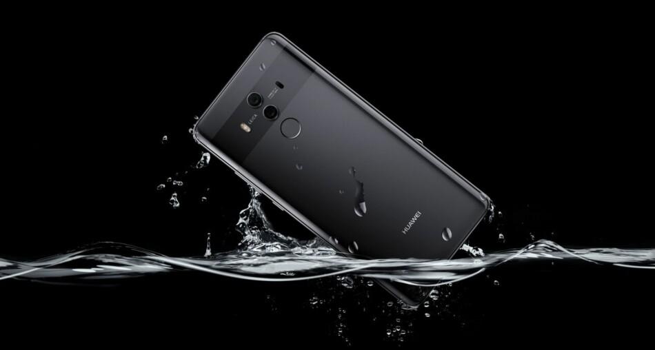 BATTERIKAPASITET: Er du litt sparsom med bruken, kan Huawei Mate 10 Pro holde i tre dager uten lading. Foto: Huawei