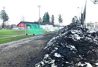 Ikke i mål med krav mot utslipp av mikroplast fra kunstgressbaner