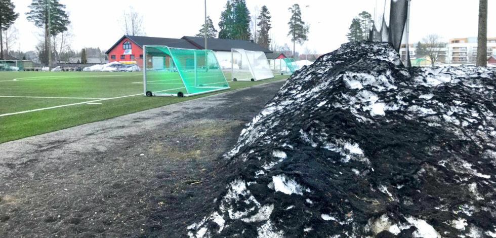 image: Ikke i mål med krav mot utslipp av mikroplast fra kunstgressbaner